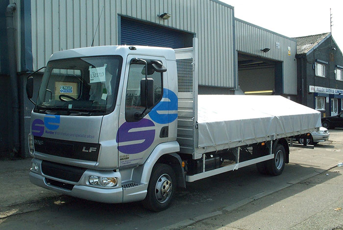 DAF LF dropside body