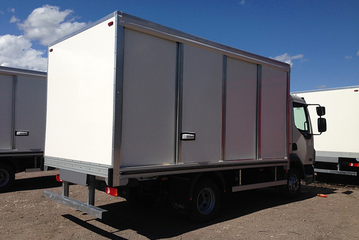 Box van with sliding doors