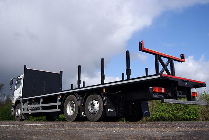 Steel carrying platform body